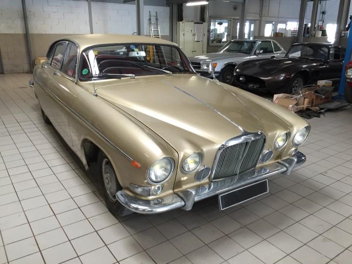 Jaguar_420G_B4cars_2913