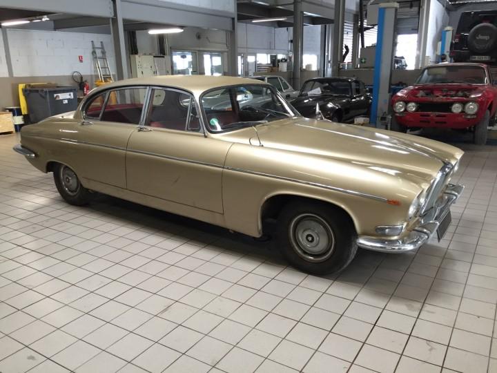 Jaguar_420G_B4cars_2915