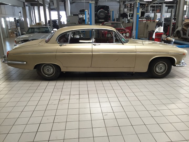 Jaguar_420G_B4cars_2916