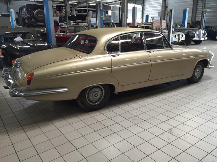 Jaguar_420G_B4cars_2917