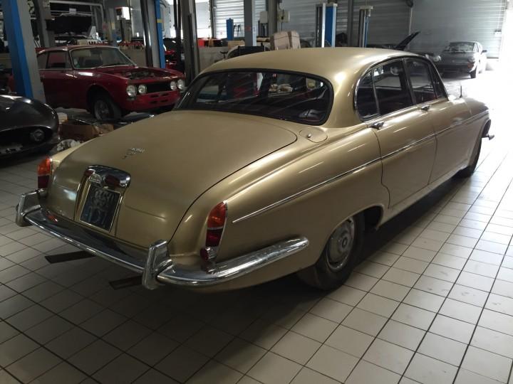 Jaguar_420G_B4cars_2918