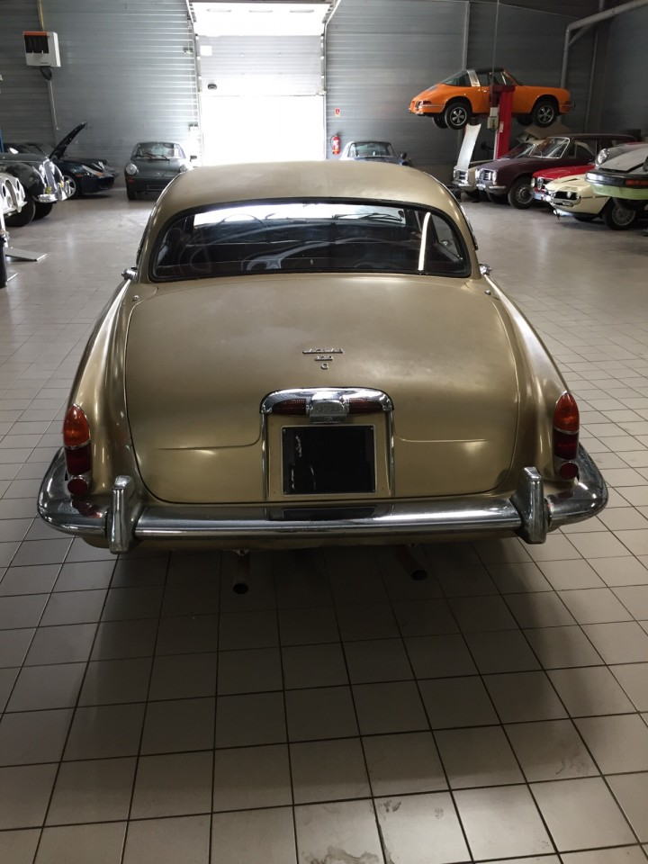 Jaguar_420G_B4cars_2919