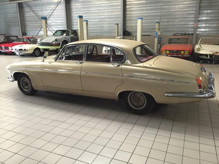 Jaguar_420G_B4cars_2921