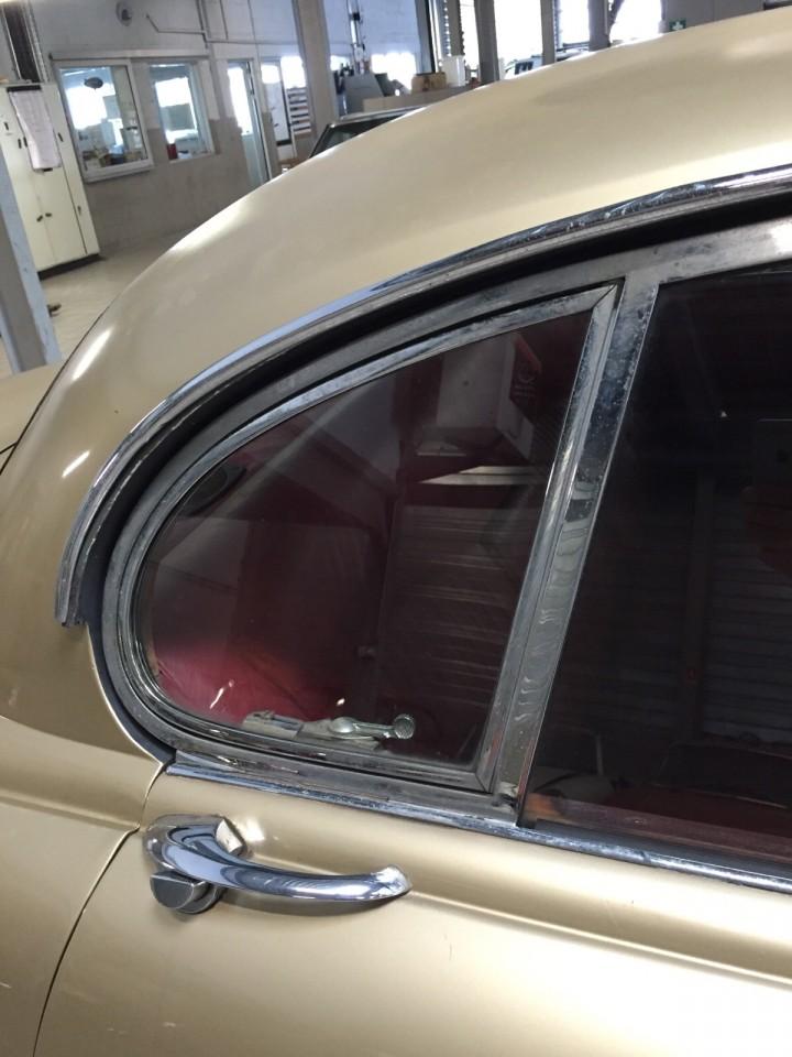 Jaguar_420G_B4cars_2950