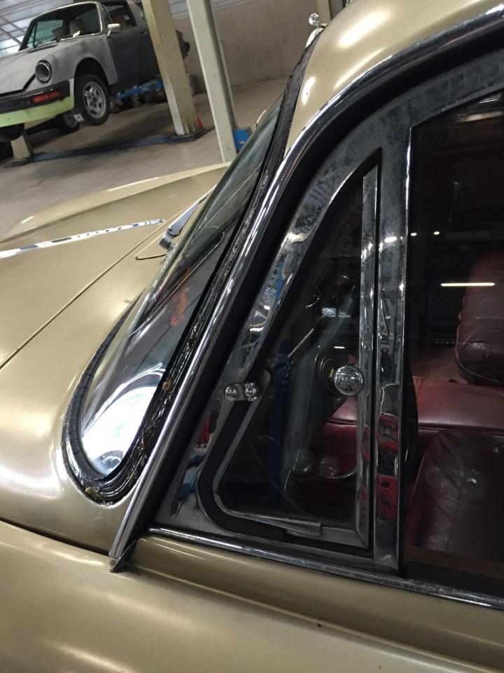 Jaguar_420G_B4cars_2974