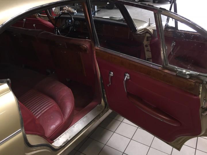 Jaguar_420G_B4cars_2996