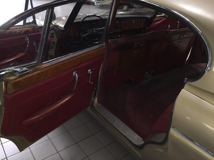 Jaguar_420G_B4cars_3003