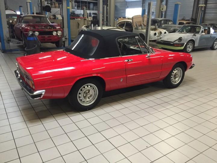 Alfa_Romeo_Spider_3587
