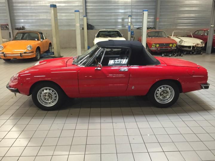 Alfa_Romeo_Spider_3592