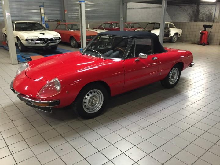 Alfa_Romeo_Spider_3593