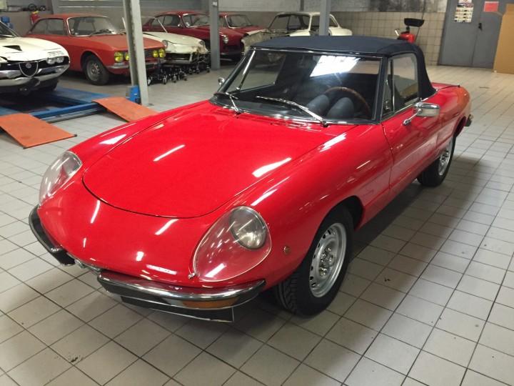 Alfa_Romeo_Spider_3594