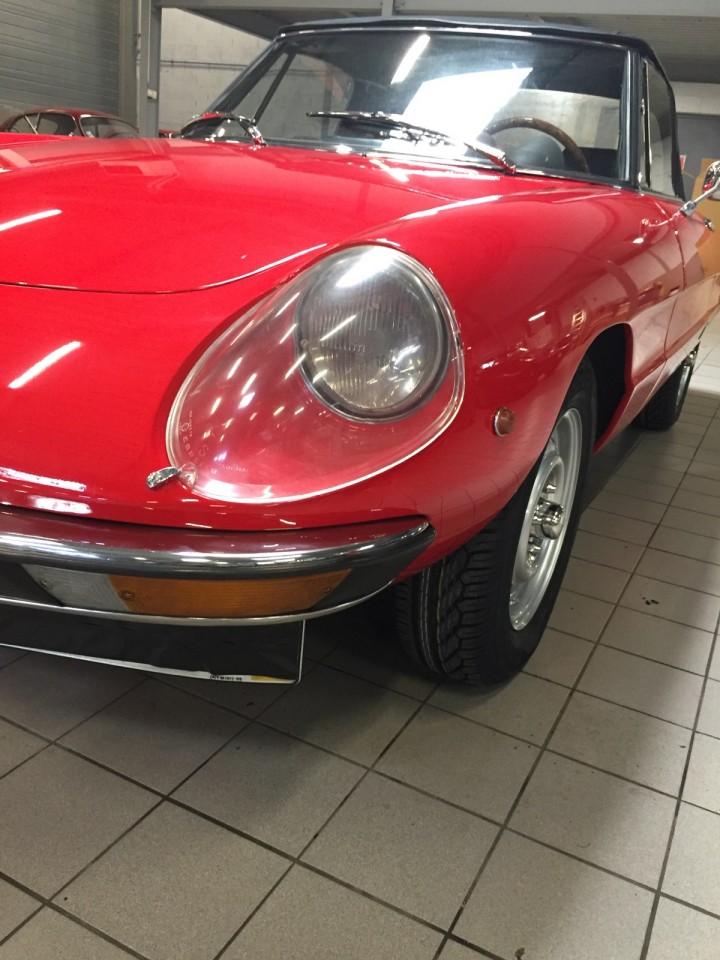 Alfa_Romeo_Spider_3599