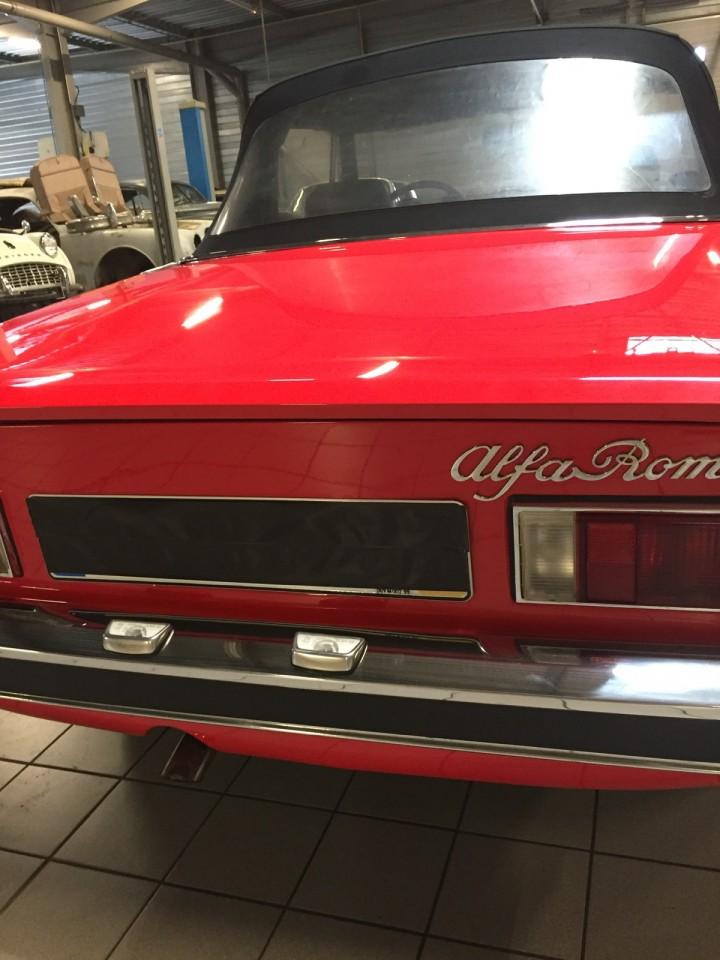 Alfa_Romeo_Spider_3614