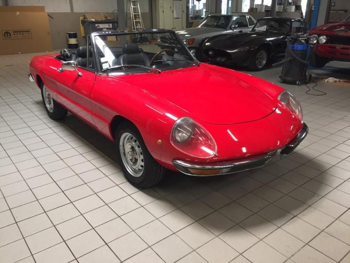 Alfa_Romeo_Spider_3700