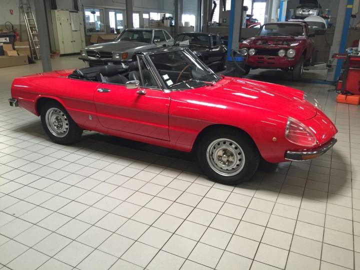 Alfa_Romeo_Spider_3702