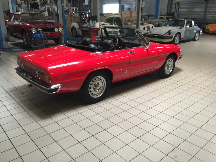Alfa_Romeo_Spider_3704