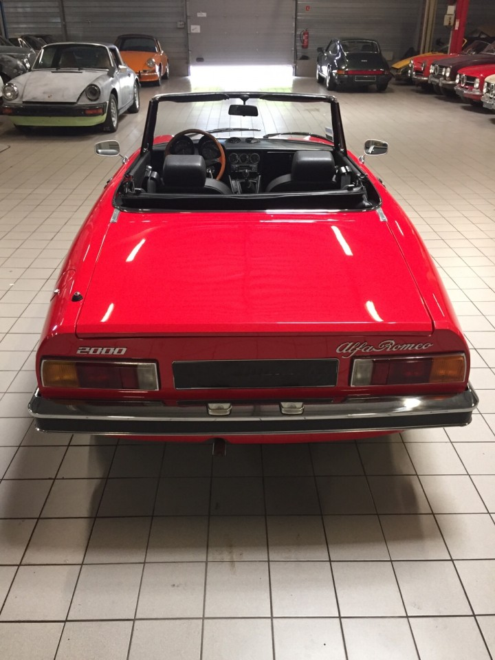 Alfa_Romeo_Spider_3706