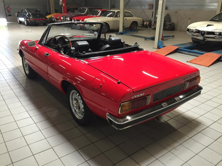 Alfa_Romeo_Spider_3707