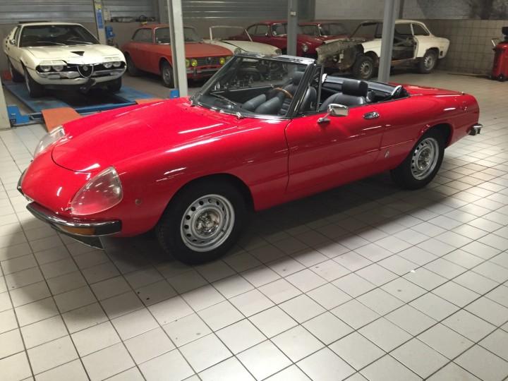 Alfa_Romeo_Spider_3710