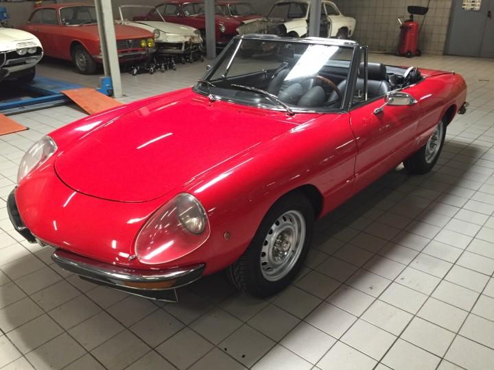 Alfa_Romeo_Spider_3711