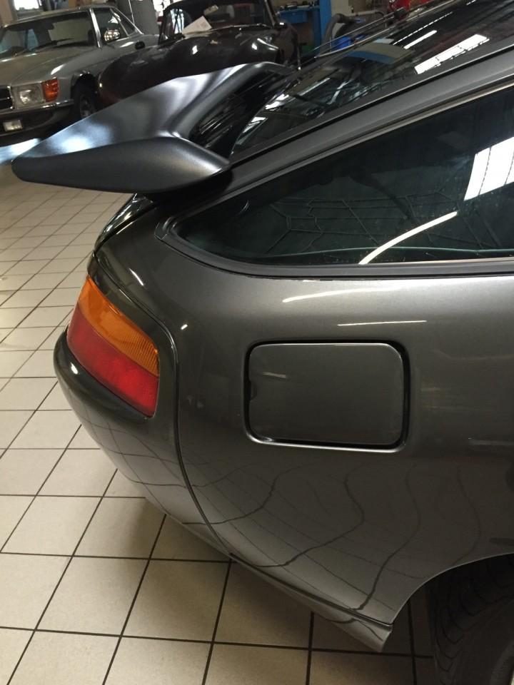 Porsche_928_S4_B4cars_3479