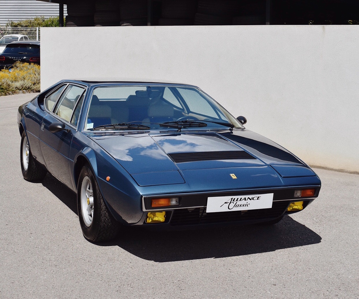 Ferrari 308 GT4 (1976)